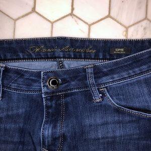 MAVI brand SOPHIE mid rise skinny blue jeans!